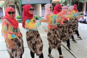 Lomba Dancing